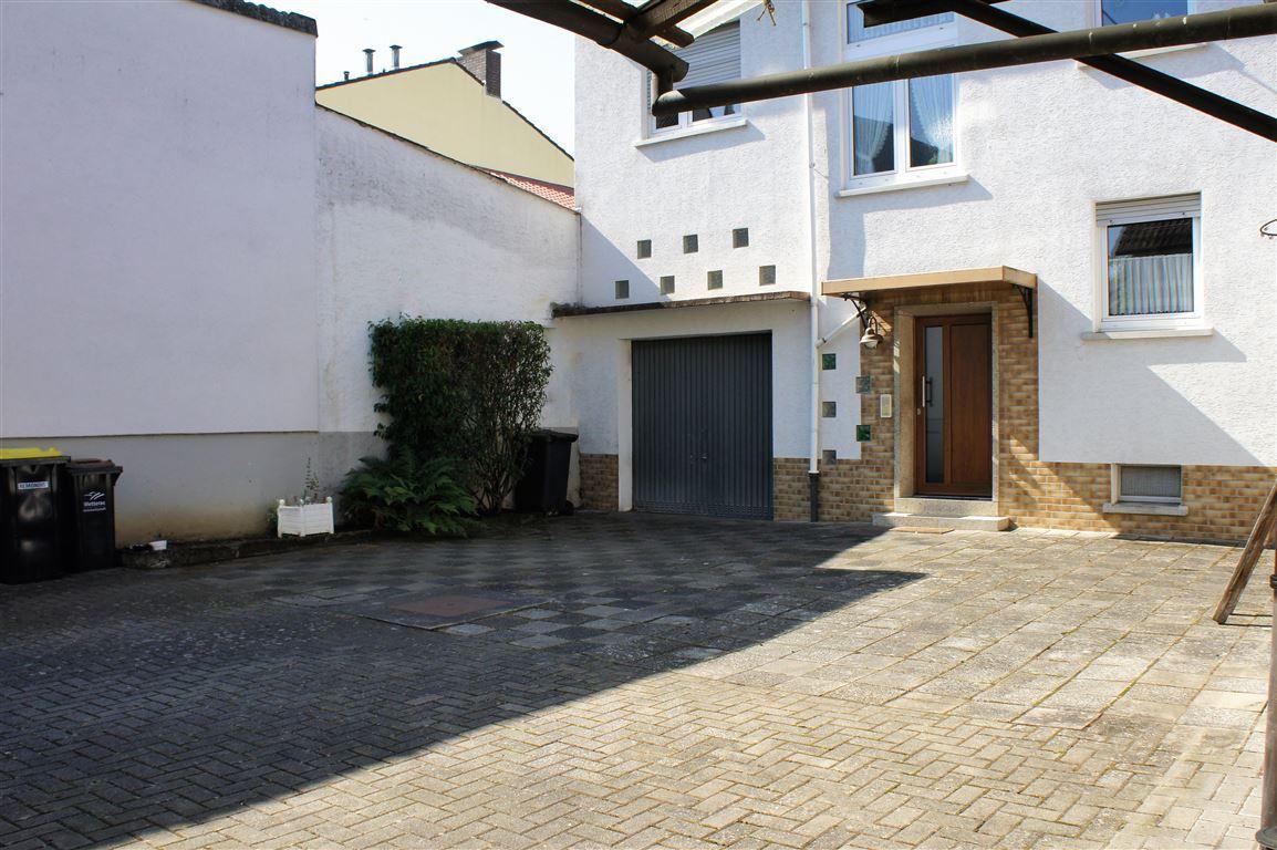 Hof/ Garage/ Eingang Hinterhaus